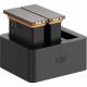 Интеллектуальный зарядный хаб с двумя батарями DJI OSMO Action Charging Kit, крупный план