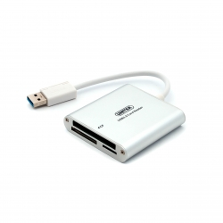 USB 3.0 кардридер для CF, SD, microSD (крупный план)
