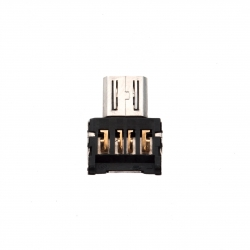 OTG адаптер USB - microUSB (крупный план)